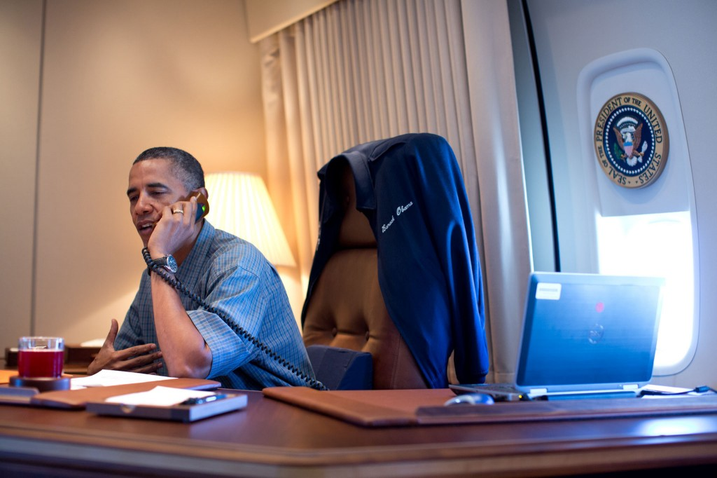 President_Obama_Phones_Mars_Rover_Team