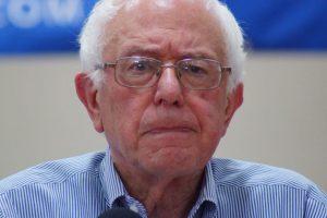 Bernie-sanders-franklin-nh-20150802-DSC02607_(19619885364)
